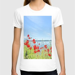 Red poppies in the lakeshore T-shirt