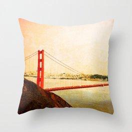 GOLDEN GATE BRIDGE - SAN FRANCISCO Throw Pillow