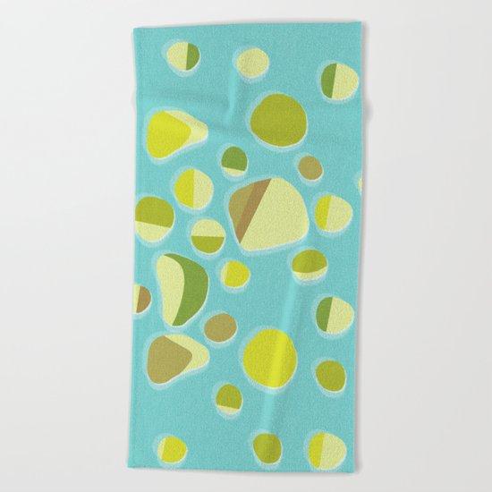 retro islands Beach Towel
