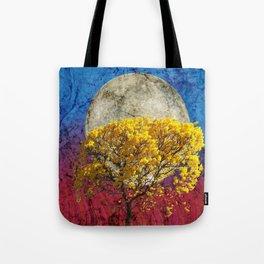 Flavo luna in ligno Tote Bag