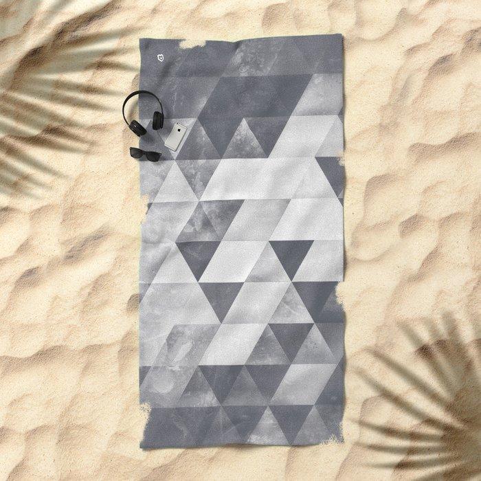 dythyrs Beach Towel