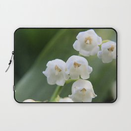Bloomed White Flower Close-Up Laptop Sleeve