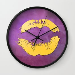 dp048-5 Watercolor kiss Wall Clock