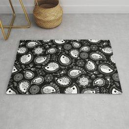 Hedgehog Paisley_White and Black Rug