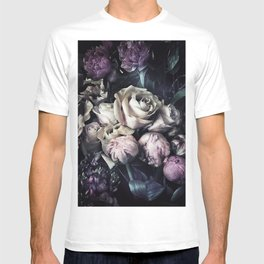 Roses peonies vintage style old masters flowers blooms T-shirt