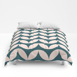 Geometric Leaf Shapes in Teal and Blush Comforters