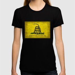Gadsden Flag, Don't Tread On Me in Vintage Grunge T-shirt