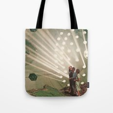 the light pours out of me Tote Bag