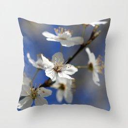Weißdorn Throw Pillow
