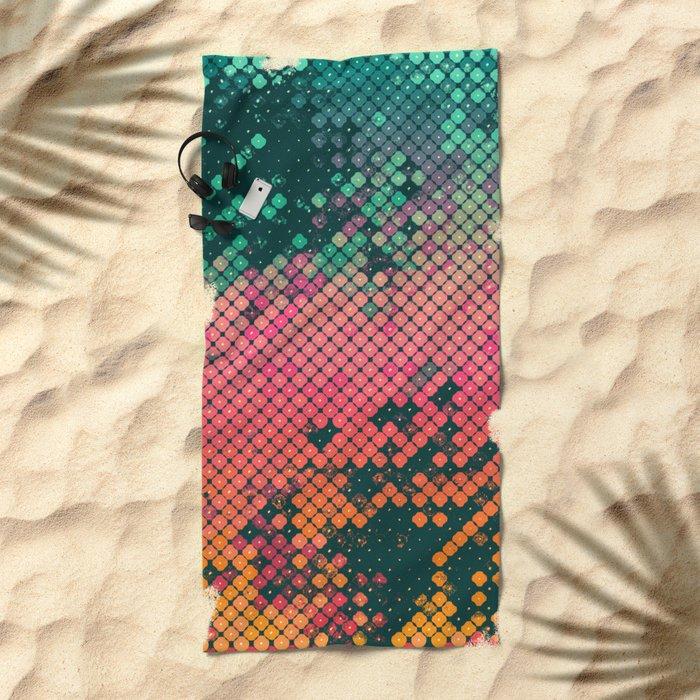 scryyn dryp Beach Towel