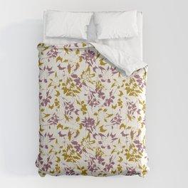 day lilies retro Comforters
