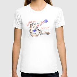 Le chat qui fait du tricot (the cat who knits) T-shirt