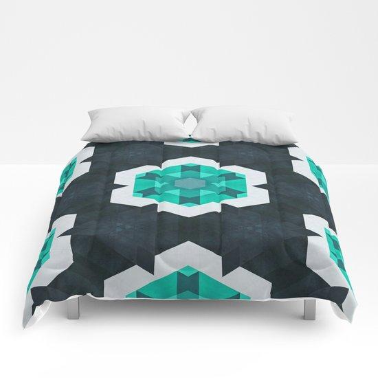 mynt ∞ snwwflykk Comforters