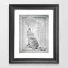 Wolf howl at the Moon Framed Art Print