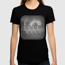 Dancing skeletons I T-shirt