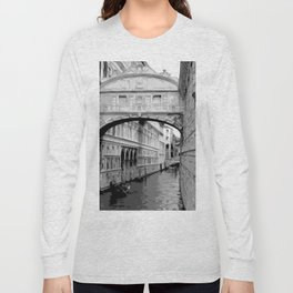 The Bridge of Sighs in Venice Italy Travel Long Sleeve T-shirt