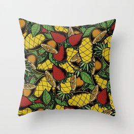 Catarata Throw Pillow