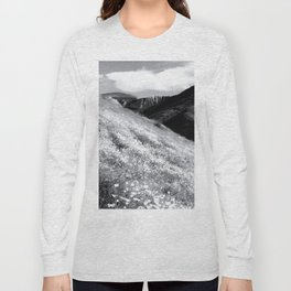 poppy flower field with mountain and cloudy sky background in black and white Long Sleeve T-shirt
