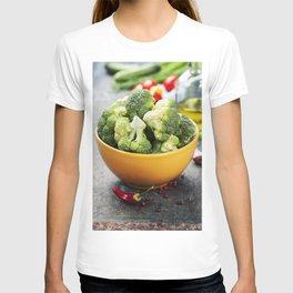 Fresh green broccoli and Healthy Organic Vegetables T-shirt