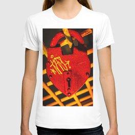 Love Lock Metal Print T-shirt