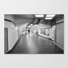 Dans le métro parisien Canvas Print