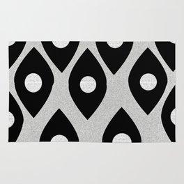 Black and White Pattern Fish Eye Design Rug