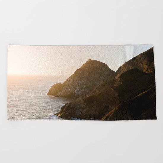 ocean falaise 7 Beach Towel