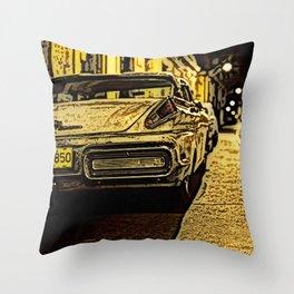 Havanna at night... Throw Pillow
