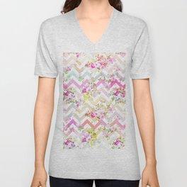 Chic vintage elegant pink flowers chevron pattern Unisex V-Neck