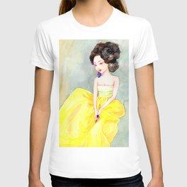 Watercolor Korean beauty - Yellow T-shirt