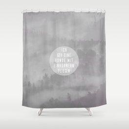 Mit Einhörnern fliegen Shower Curtain