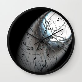 Broken Mirrow in the Spot   (A7 B0156) Wall Clock