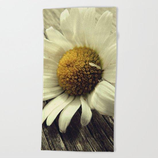Vintage Daisy Beach Towel