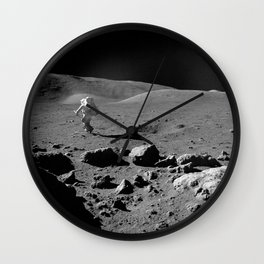 Apollo 17 - Astronaut Running Wall Clock