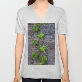 Ivy on Wood Wallpaper Unisex V-Neck
