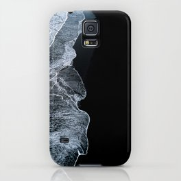 Waves on a black sand beach in iceland - minimalist Landscape Photography iPhone Case