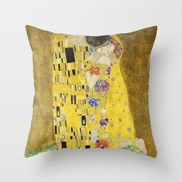 The Kiss - Gustav Klimt, 1907 Throw Pillow