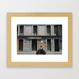 SE VENDE (grey house in Cali) Framed Art Print