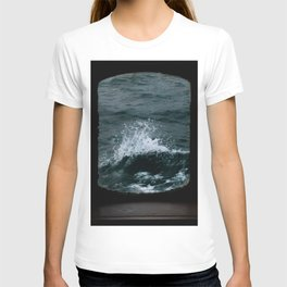 Wave out of a window of a ship – Minimalist Oceanscape T-shirt