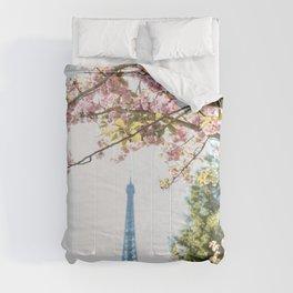 tour eiffel Comforters
