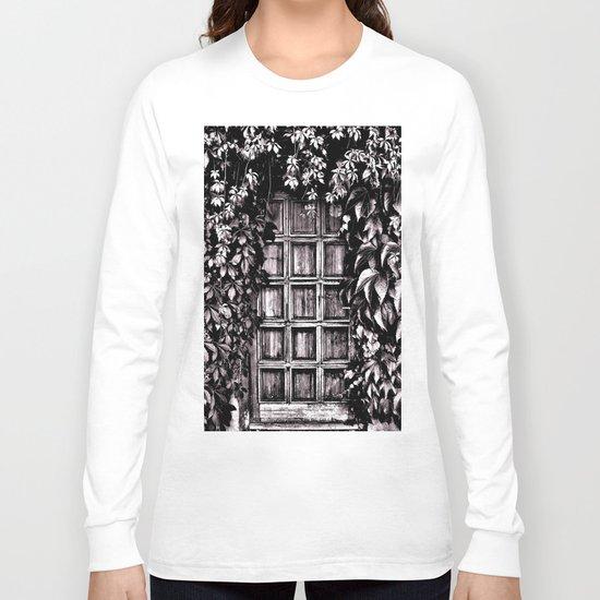 Black White Old Door Long Sleeve T-shirt
