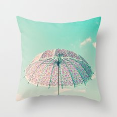 I'm prepared if rain comes Throw Pillow