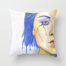 Toska Throw Pillow