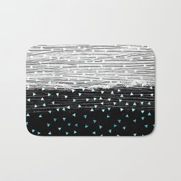 257 31 Triangle Texture Bath Mat