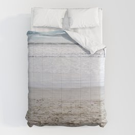 b e a c h Comforters