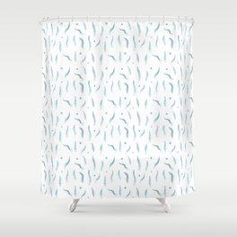 Plumes bleues Shower Curtain