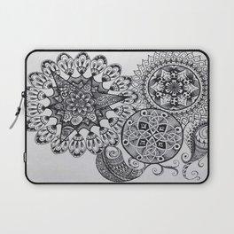 Black & White Mandala Celtic Knot Zentange Zen Tangle PaisleyPattern Design Laptop Sleeve