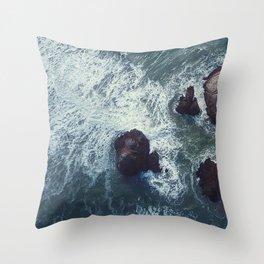 ocean_waves Throw Pillow