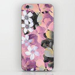 Lucky clover pink iPhone Skin