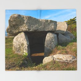 Le Trepied Dolmen Throw Blanket